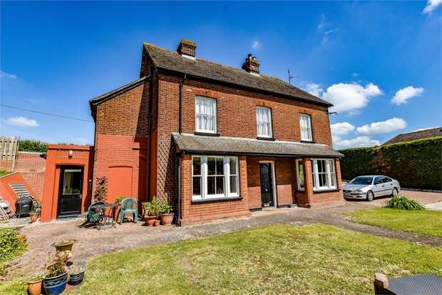 4 Bedrooms Detached House for sale in Sible Hedingham, Halstead, Essex