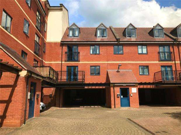 2 Bedrooms Apartment Flat for sale in Magdala Court, The Butts, Worcester