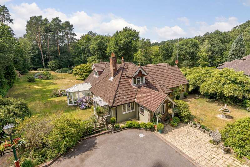 4 Bedrooms Detached House for sale in Crabtree Lane, Churt