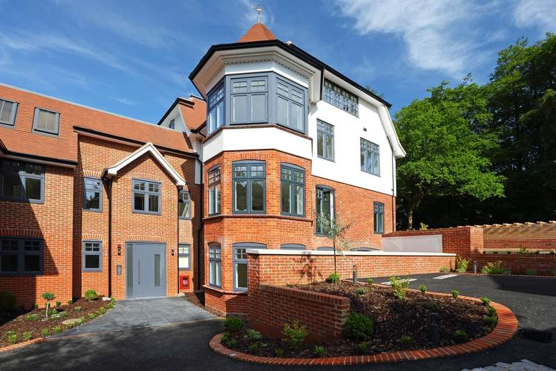 1 Bedroom Apartment Flat for sale in Tower Road, Hindhead, GU26