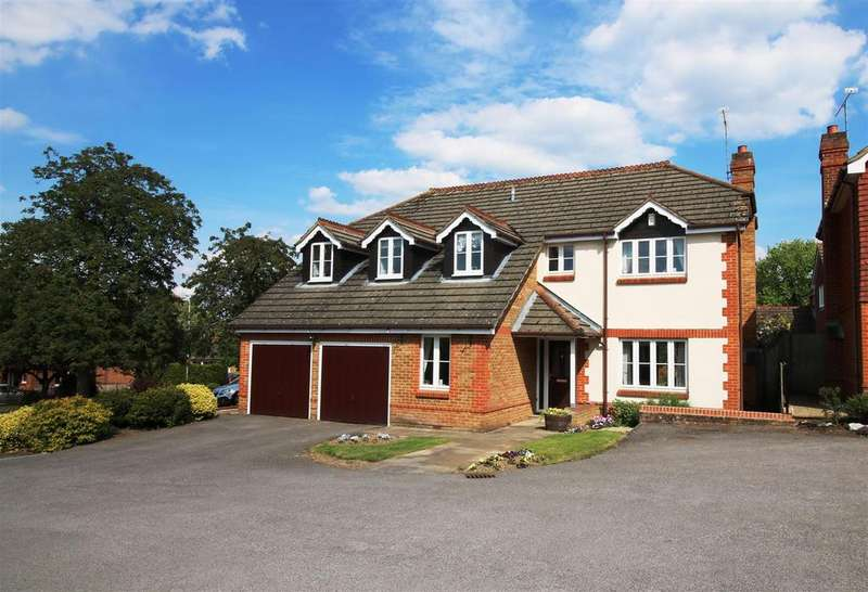 4 Bedrooms Detached House for sale in Belleisle, Purley On Thames, Berkshire