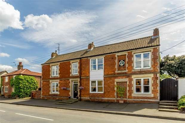 6 Bedrooms Detached House for sale in High Street, Morton, Bourne, Lincolnshire