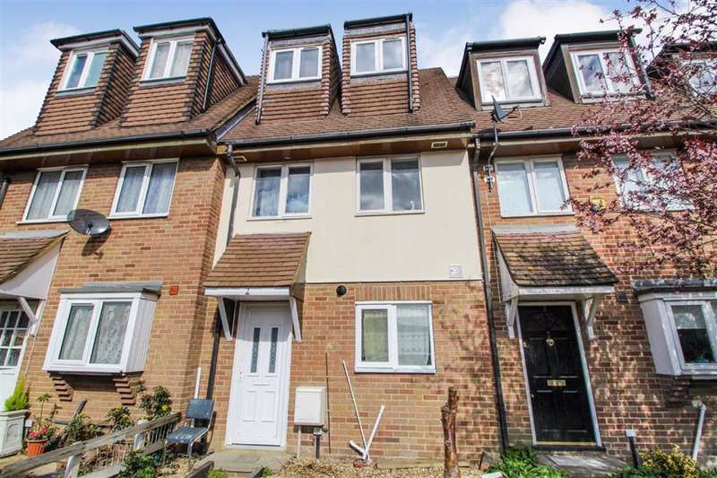 4 Bedrooms Terraced House for sale in Bisham Court, Slough
