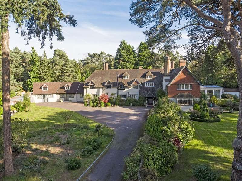 5 Bedrooms Detached House for sale in Cavendish Road, St George's Hill, Weybridge, KT13