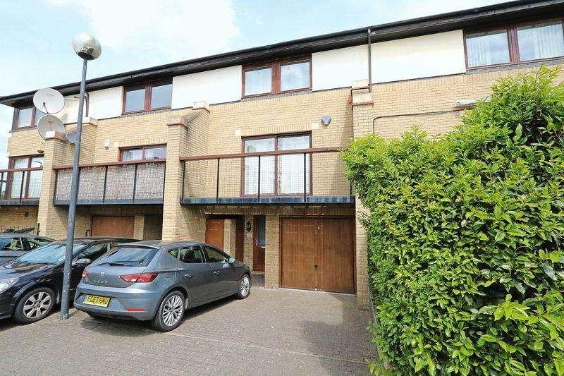 4 Bedrooms Terraced House for sale in Adelphi Street, Central Milton Keynes