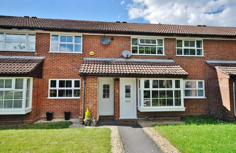 2 Bedrooms Maisonette Flat for sale in Chittering Close, Lower Earley, Reading, RG6 4BE