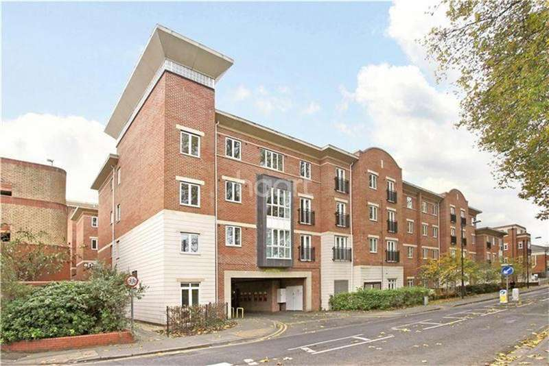 2 Bedrooms Flat for rent in Walk to the station...Maidenhead