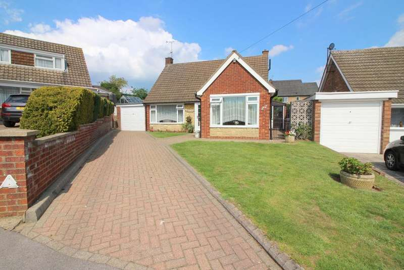 3 Bedrooms Detached House for sale in Truro Gardens, Luton, Bedfordshire, LU3 2AP