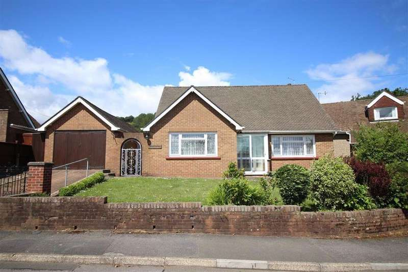 2 Bedrooms Detached Bungalow for sale in Sunlea Crescent, New Inn
