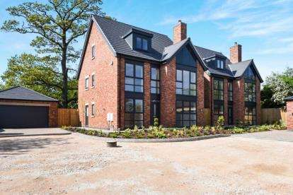 6 Bedrooms Detached House for sale in Rykneld Road, Littleover, Derby, Derbyshire