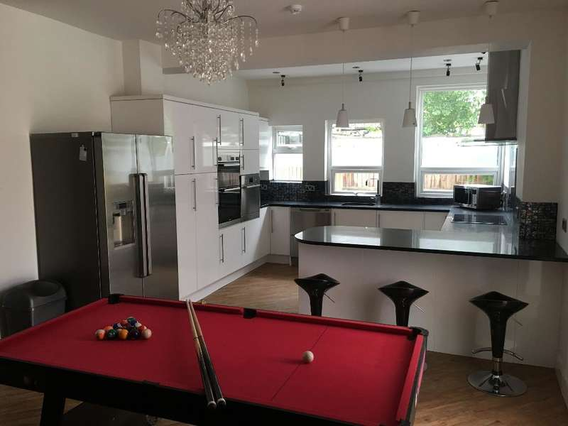 9 Bedrooms Detached House for rent in Carden Avenue, Brighton, East Sussex, BN1 8WU
