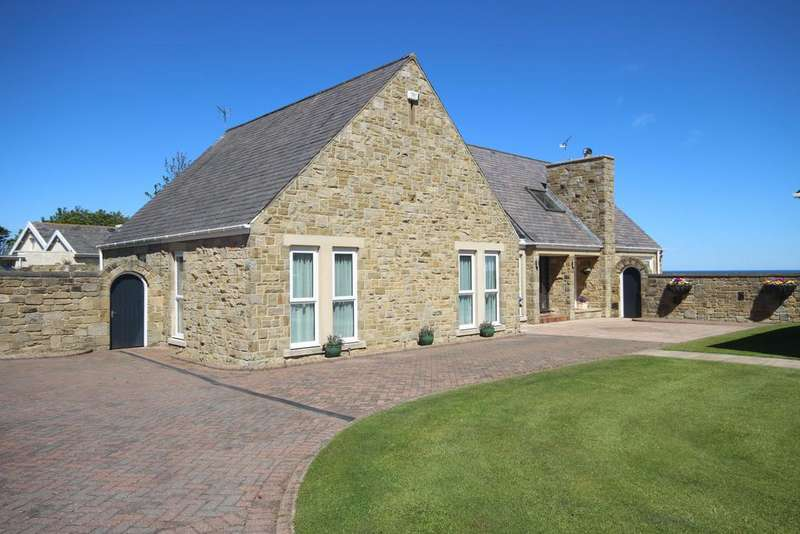 4 Bedrooms Detached Bungalow for sale in Old Hartley, Whitley Bay NE26