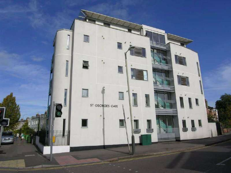 1 Bedroom Flat for sale in St George's Road, Central, Cheltenham, GL50