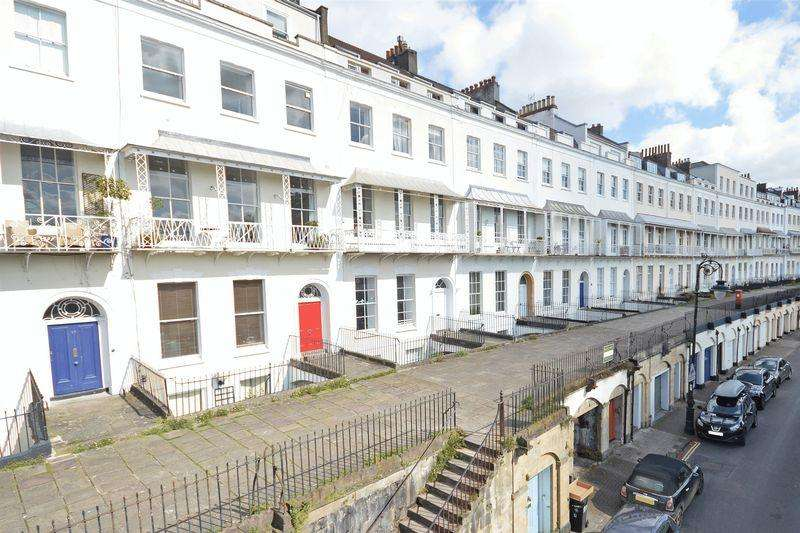 2 Bedrooms Apartment Flat for sale in 5 Royal York Crescent, Clifton Village, Bristol, BS8 4JZ