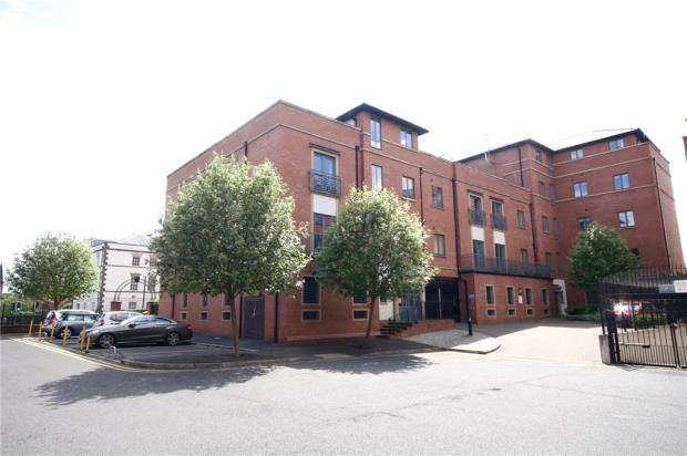 2 Bedrooms Apartment Flat for sale in Lincoln House, The Square, Seller Street
