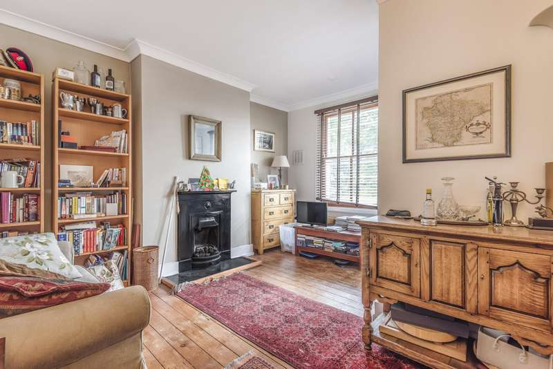 1 Bedroom Flat for sale in Bedford Hill, Balham, SW12