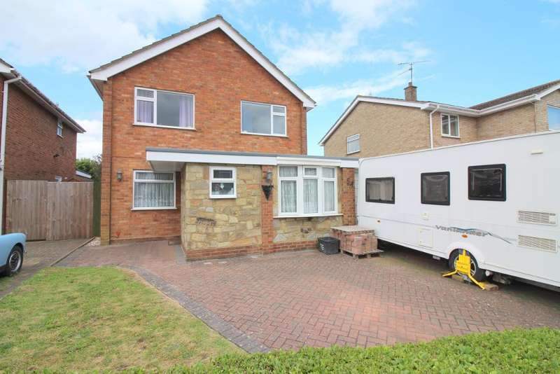 3 Bedrooms Detached House for sale in Hazelwood Close, Luton, Bedfordshire, LU2 8AR