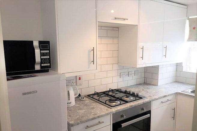 1 Bedroom Ground Flat for rent in Manor Court , Cippenham SL1