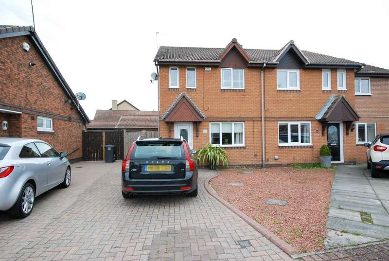 3 Bedrooms Semi Detached House for sale in Berkeley Close, The Cotswolds