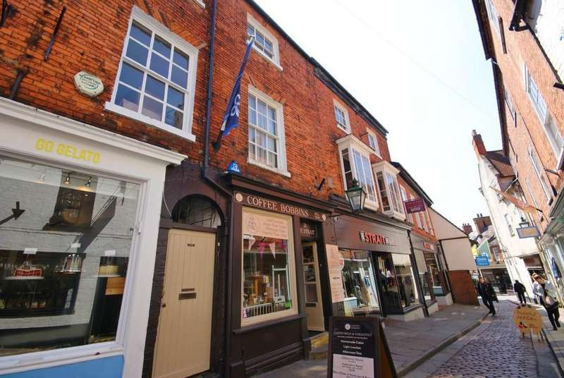 2 Bedrooms Apartment Flat for sale in The Strait, Lincoln