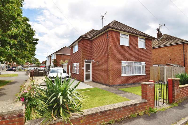 3 Bedrooms Detached House for sale in Corinne Crescent, Skegness