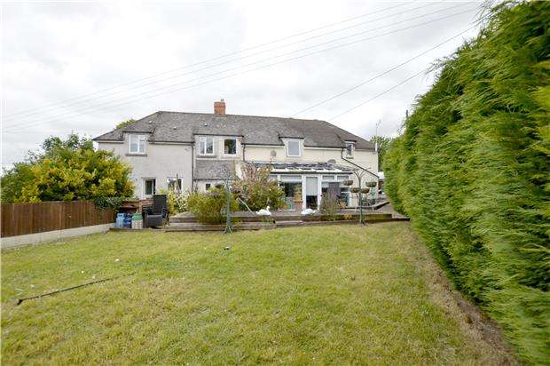 4 Bedrooms Semi Detached House for sale in Folly Lane, STROUD, Gloucestershire, GL5 1SX