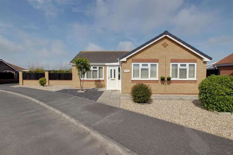 3 Bedrooms Detached Bungalow for sale in Dymoke Road, Mablethorpe