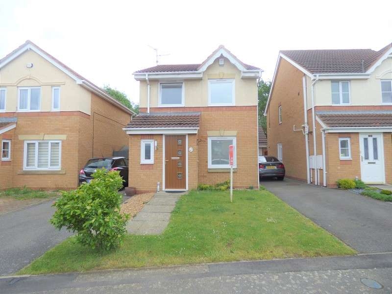 3 Bedrooms Detached House for sale in Swan Gardens, Peterborough, Cambridgeshire. PE1 4SB