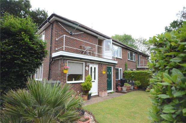 2 Bedrooms Maisonette Flat for sale in Latimer Road, Wokingham, Berkshire