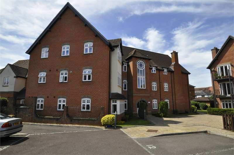 2 Bedrooms Flat for sale in Sovereign Place, RINGWOOD
