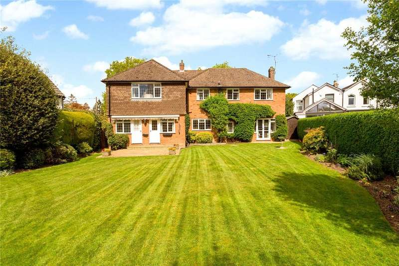 5 Bedrooms Detached House for sale in One Pin Lane, Farnham Common, Slough, SL2