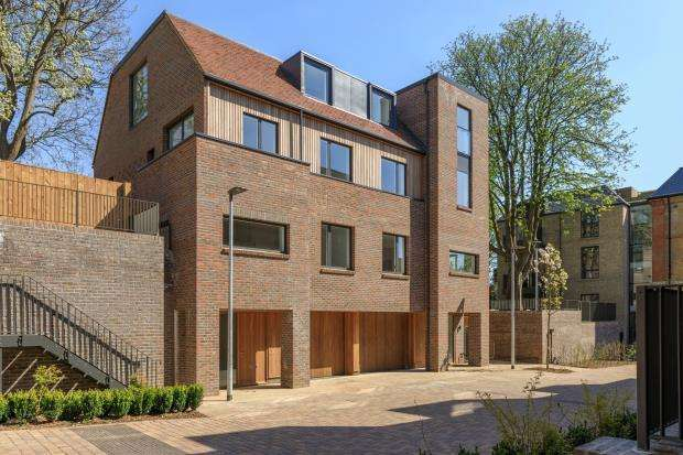 4 Bedrooms Semi Detached House for sale in Woodside Avenue, Muswell Hill, London, N10