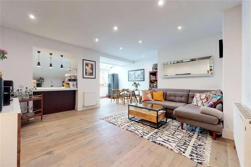 2 Bedrooms Flat for sale in Ritson Road, London, E8