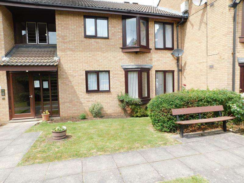 2 Bedrooms Apartment Flat for sale in Vale End, Leicester