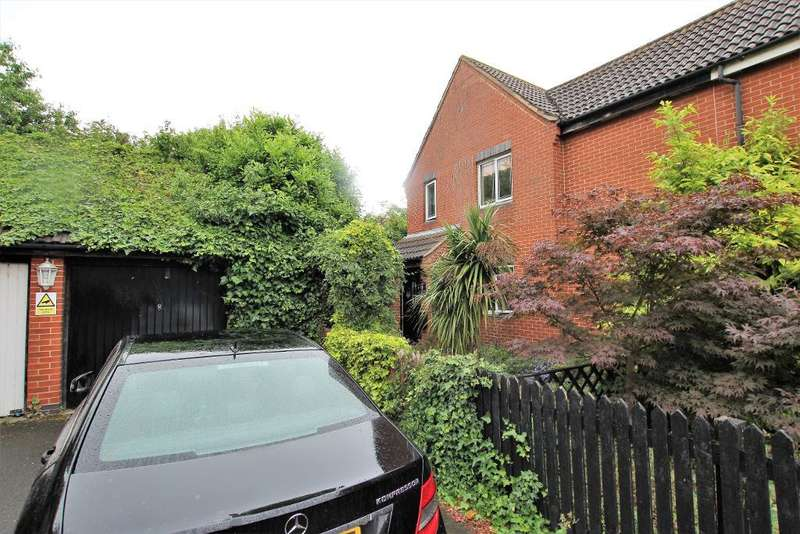4 Bedrooms Semi Detached House for sale in Neatscourt Road, Beckton, London, E6 5ST