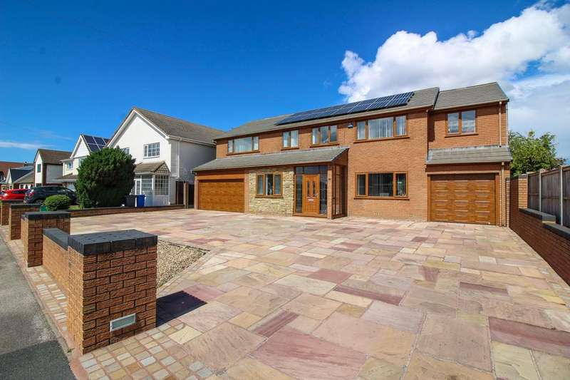 4 Bedrooms Detached House for sale in South Strand, Fleetwood, Lancashire, FY7