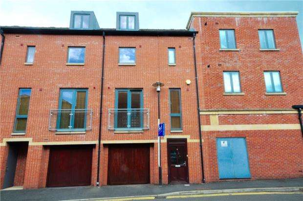 3 Bedrooms Town House for sale in Seller Street, Chester