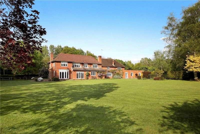 5 Bedrooms Detached House for sale in Hodge Lane, Hatchet Lane, Windsor, Berkshire, SL4