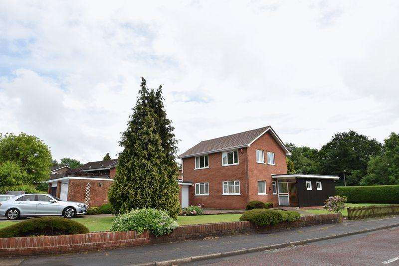 4 Bedrooms Detached House for sale in The Alders, Cwmbran