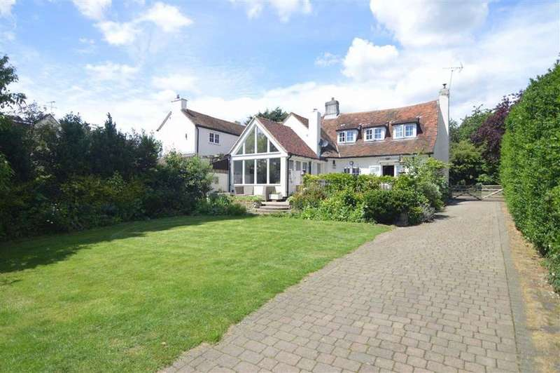 3 Bedrooms Semi Detached House for sale in Wharf Road, Fobbing, Essex