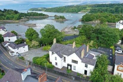 6 Bedrooms Detached House for sale in Cadnant Road, Menai Bridge, Sir Ynys Mon, LL59