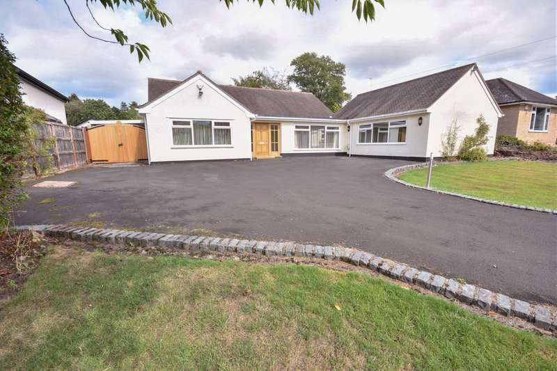 4 Bedrooms Detached House for sale in ANGLESEY DRIVE, POYNTON