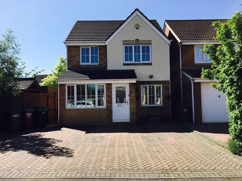 3 Bedrooms Detached House for sale in Blunden Drive, Langley, SL3