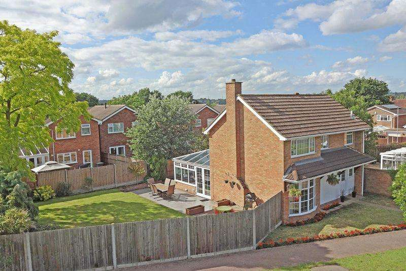 3 Bedrooms Detached House for sale in Chaucer Road, Flitwick