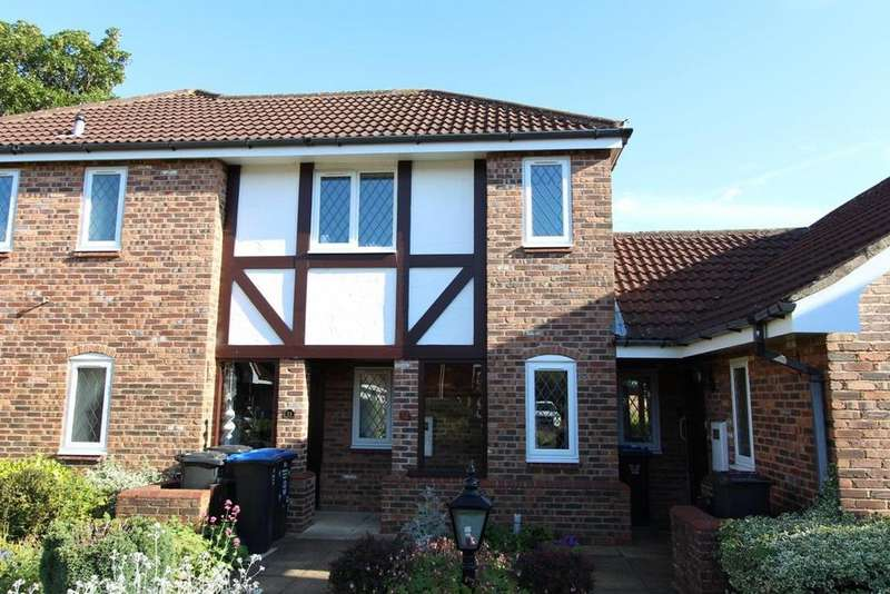 2 Bedrooms Apartment Flat for sale in The Hawthorns, Lutterworth