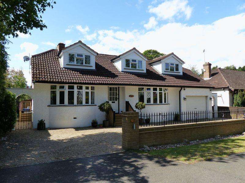 4 Bedrooms Detached House for sale in Maidenhead - Derek Road