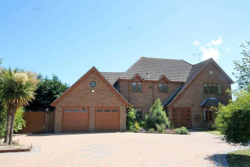 3 Bedrooms House for sale in St Johns Road, Clacton on Sea