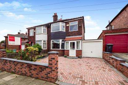 3 Bedrooms Semi Detached House for sale in Thorn Road, Swinton, Manchester, Greater Manchester