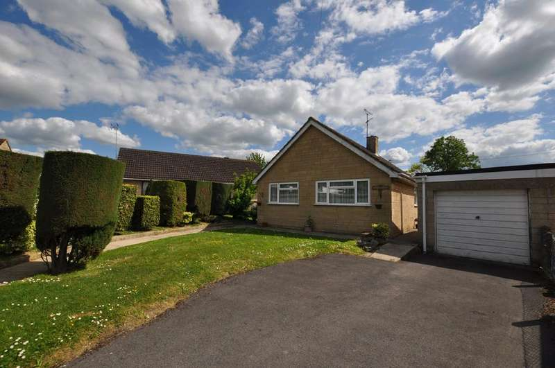 2 Bedrooms Bungalow for sale in Woodcock Lane, Stonehouse,