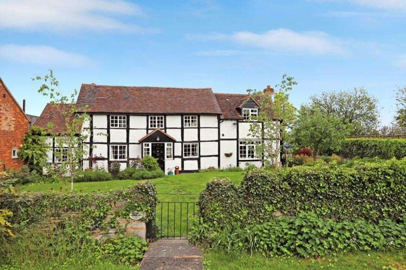 5 Bedrooms Detached House for sale in The Village Green, Ashleworth, Gloucester, Gloucestershire, GL19